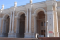 親日ウズベキスタンのナヴォイ劇場、日本人との関係